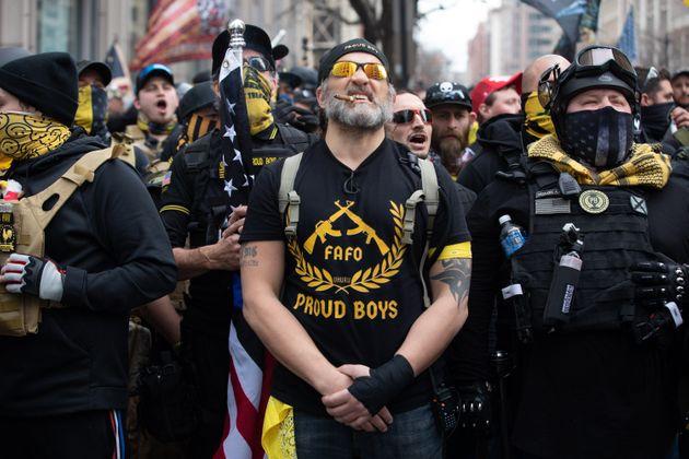 """Le Parlement canadien désigne les """"Proud Boys """" comme une """" entité terroriste """""""
