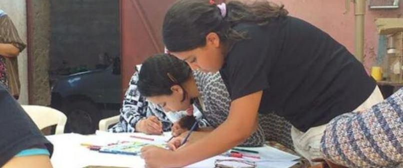 Des jeunes du Nord du Maroc participent à une réunion communautaire (2020 par la Fondation du Haut Atlas).