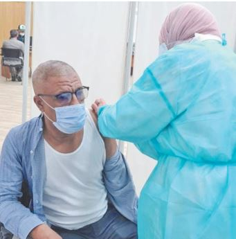 Le président du conseil de la préfecture de Skhirat-Témara se fait indûment vacciner