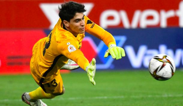 Invaincu 527 minutes,Yassine Bounou bat un record historique à Séville