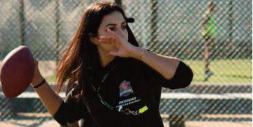 Salma Azzaoui, une sportive marocaine au défi de la rudesse du soccer américain