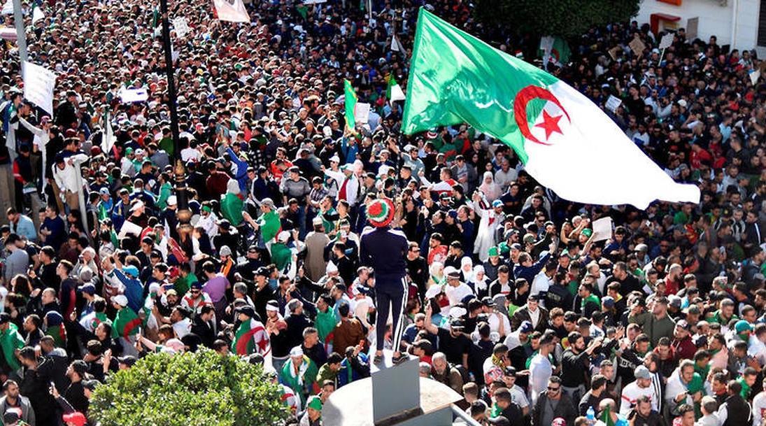 Affrontements entre les forces de sécurité algériennes et des manifestants
