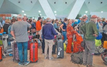 Des avions et des ferries affrétés pour rapatrier les touristes français et espagnols bloqués au Maroc