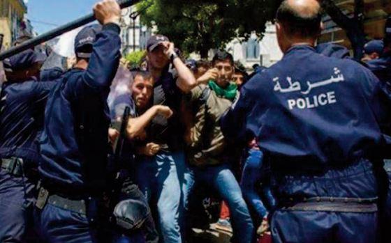 Amnesty International dénonce les atteintes aux droits humains à la liberté d' expression en Algérie