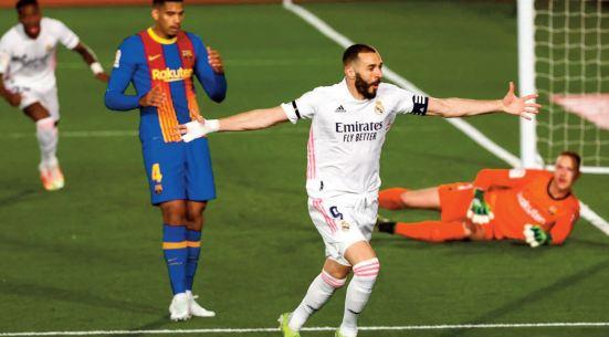 Le Real s ' offre le Barça et la pole position