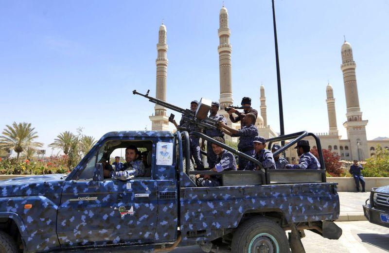 Les rebelles Houthis du Yémen affirment avoir lancé 17 drones et missiles sur l'Arabie saoudite