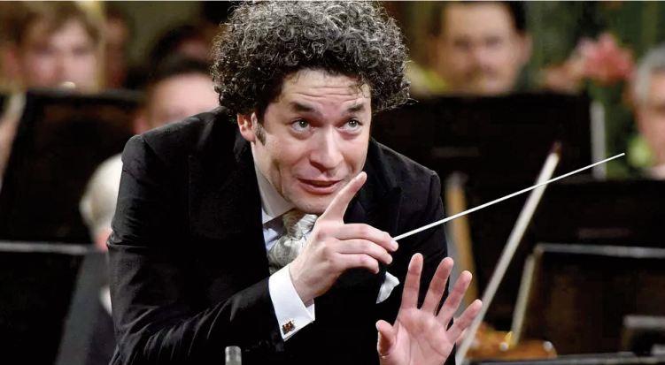 Gustavo Dudamel, prodige vénézuélien devenu chef d' orchestre superstar