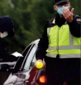 Arrêté pour conduite à contresens avec un cadavre pour copilote