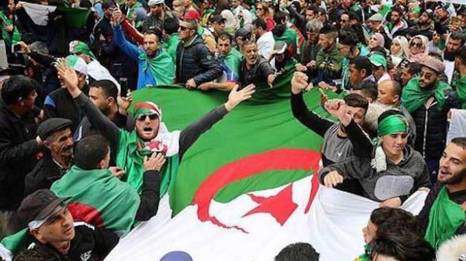 Grogne des agents de la protection civile à Alger