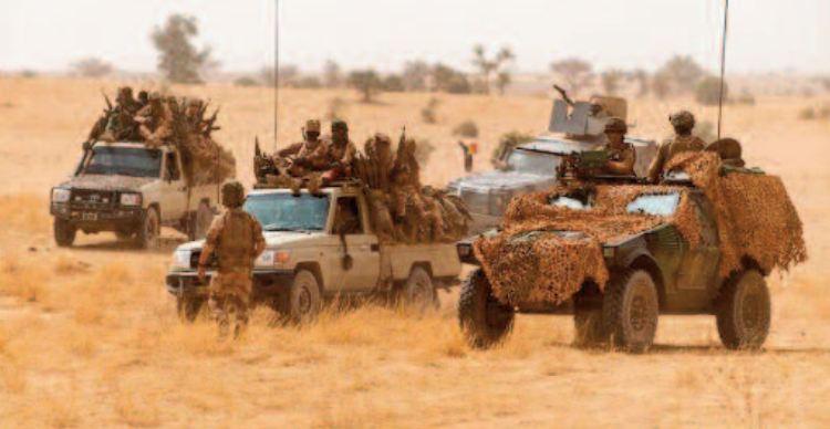 La France suspend ses opérations militaires conjointes avec l'armée malienne