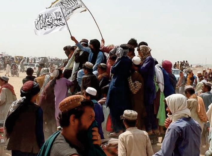 Les talibans disent contrôler un poste-frontière clé avec le Pakistan