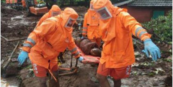 Mousson meurtrière en Inde: Le bilan s'alourdit à 124 morts et des dizaines de disparus