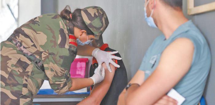 Des équipes médicales militaires viennent au renfort du ministère de la Santé