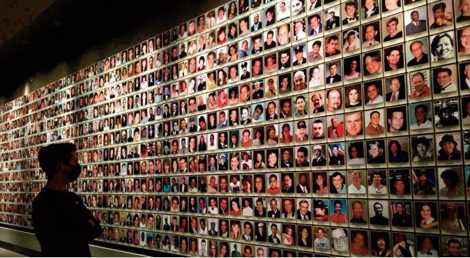 L'Amérique commémore le 11-Septembre autour d' un Joe Biden en difficulté