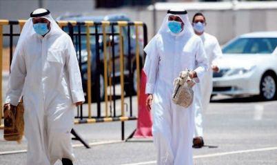 """Les Emirats ont """" surmonté"""" la crise du coronavirus, assure le prince d'Abou Dhabi"""