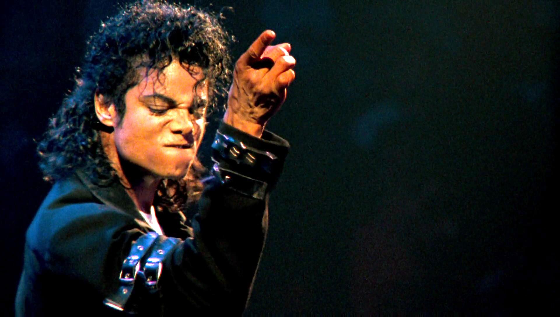 Un ex-ingénieur de son de  Michael Jackson posséderait  «vingt inédits» du Roi de la Pop