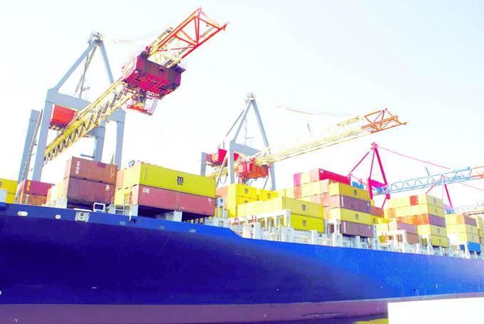 Pour accompagner les jeunes porteurs de projets dans le développement d'activités exportatrices