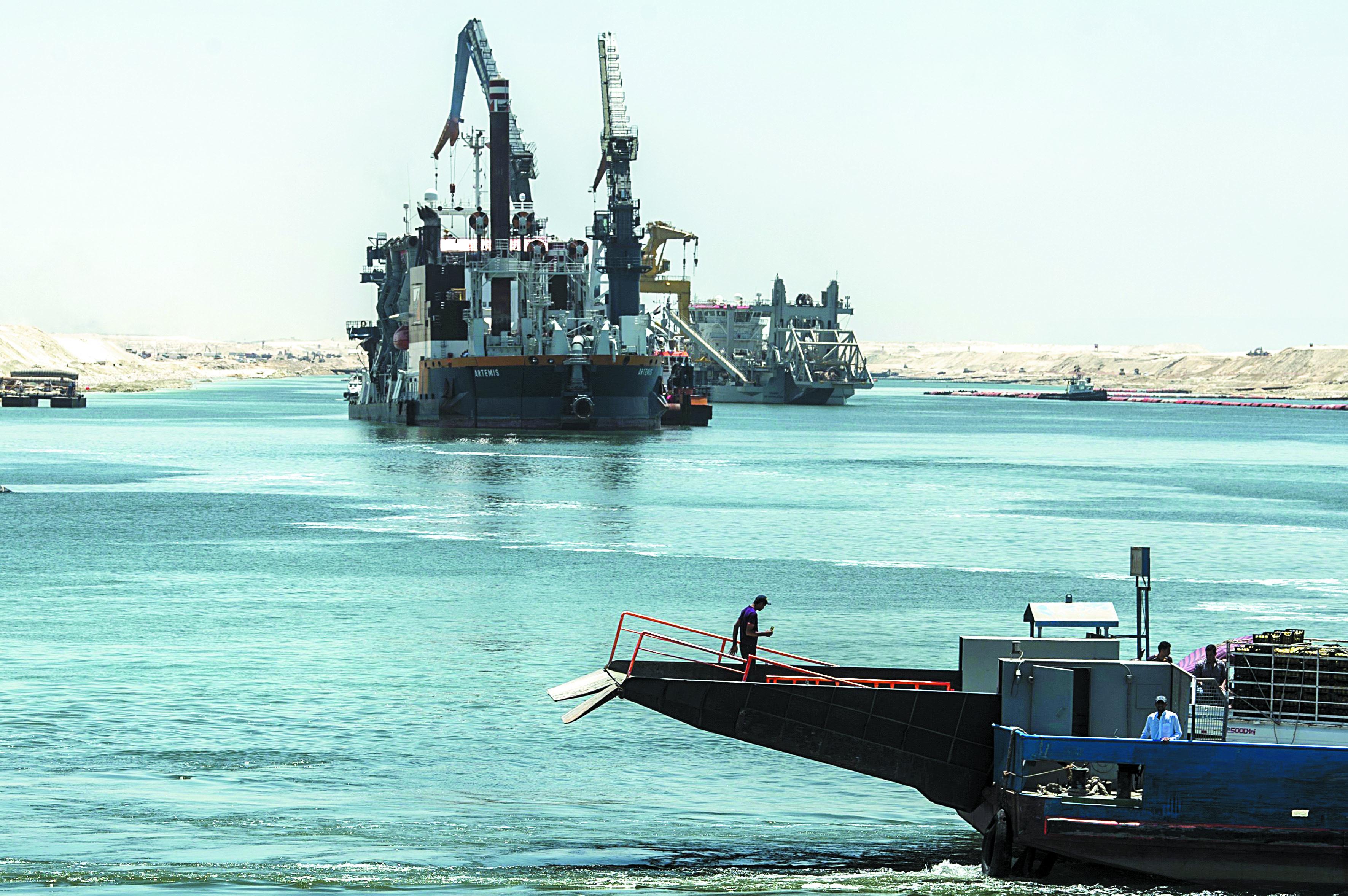 Inauguration en grande pompe de la seconde voie du canal de Suez