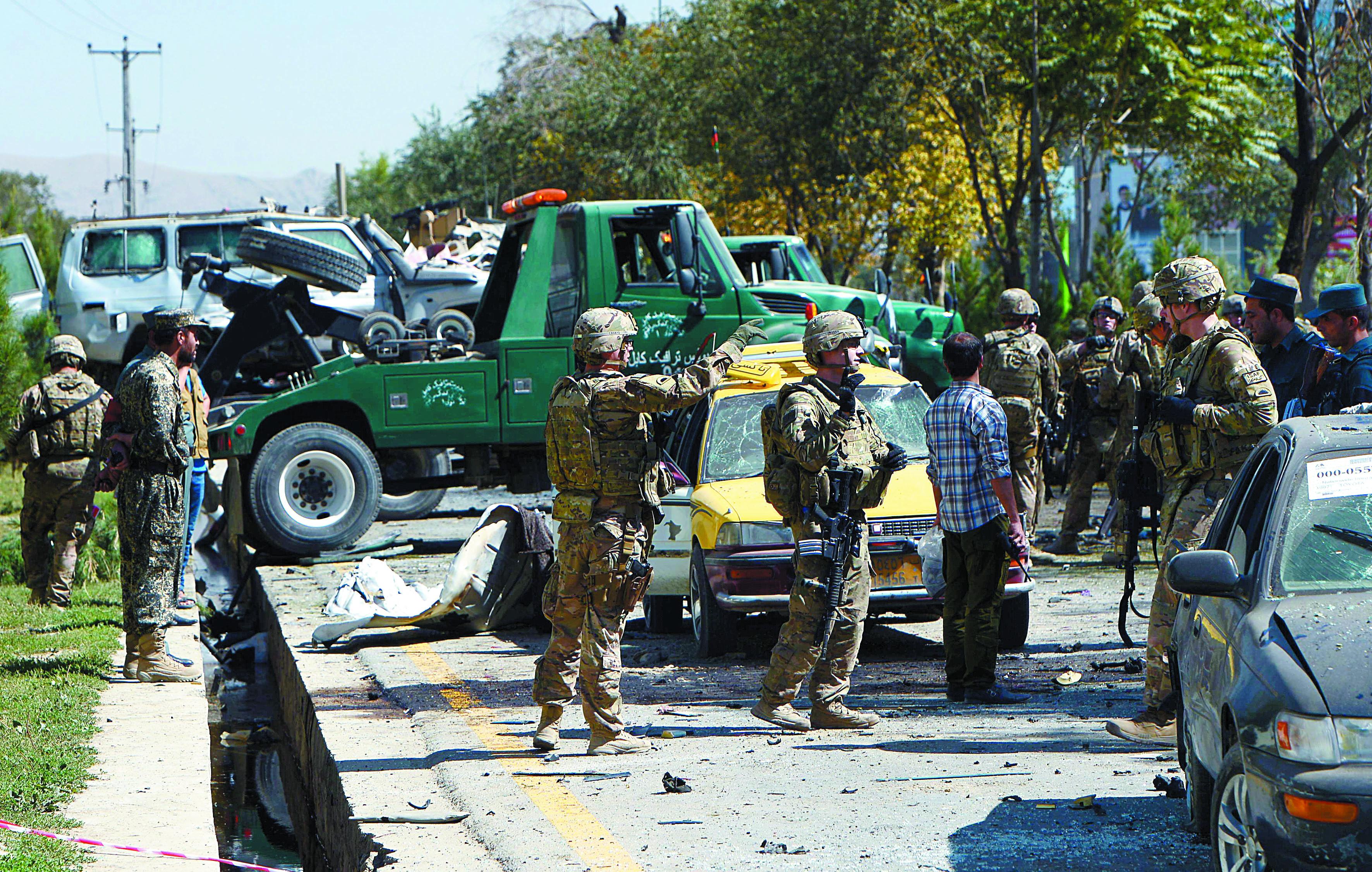 Huit morts et une centaine de blessés, vendredi, dans un attentat au camion piégé à Kaboul