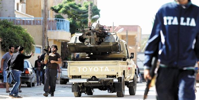 Plusieurs morts dans de violents combats entre forces rivales en Libye