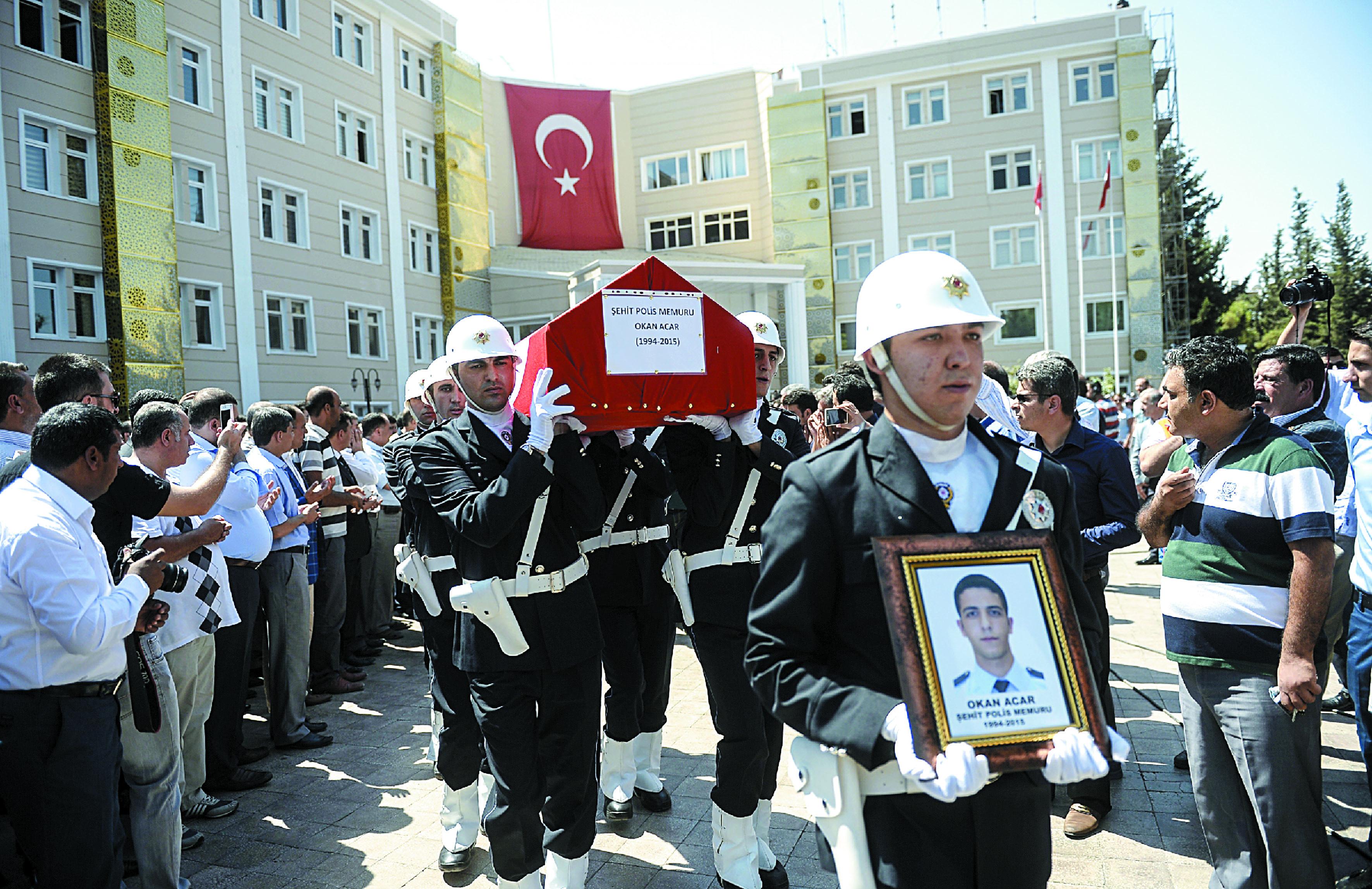 Trois soldats et un policier tués par le PKK