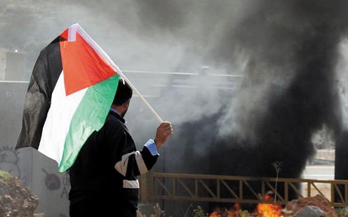 Un juge réclame 10 millions de dollars de caution aux Palestiniens