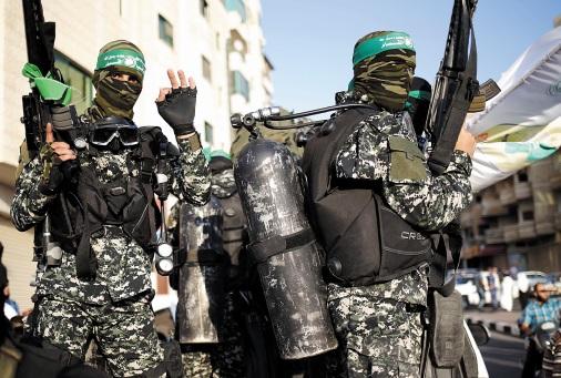 Israël réplique à un tir de roquette depuis la bande de Gaza