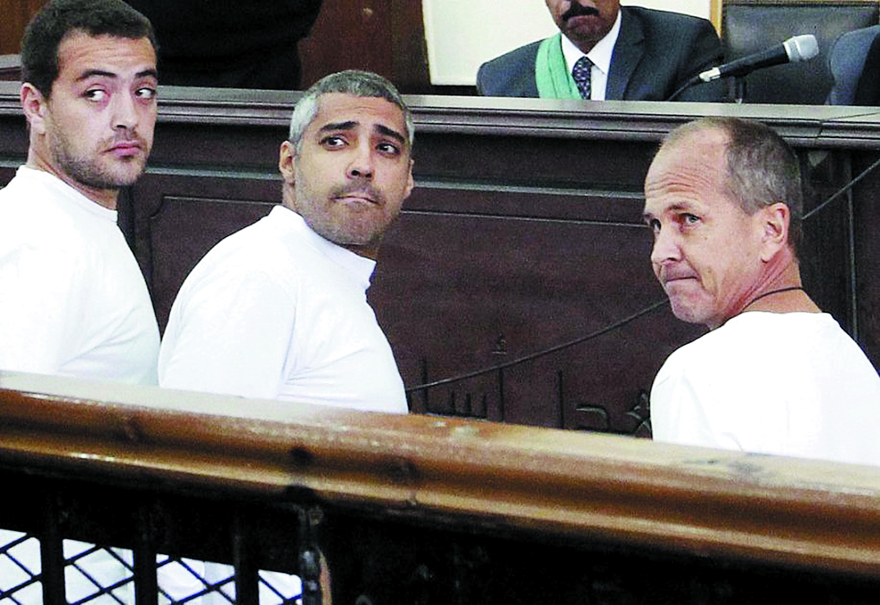 Les trois journalistes d'Al-Jazeera condamnés à trois ans de prison en Egypte