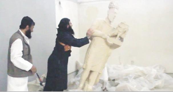 Les groupes extrémistes font des destructions de biens culturels un cheval de bataille