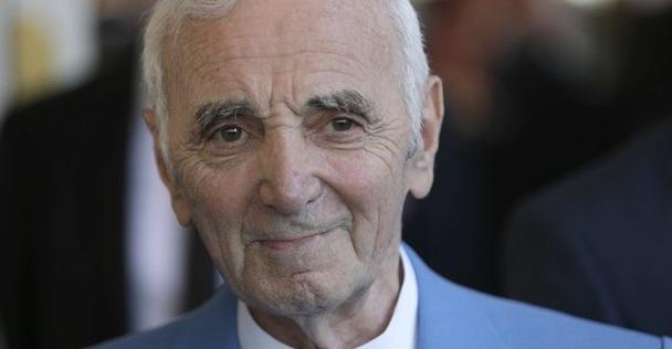 Aznavour appelle à agir en faveur des migrants