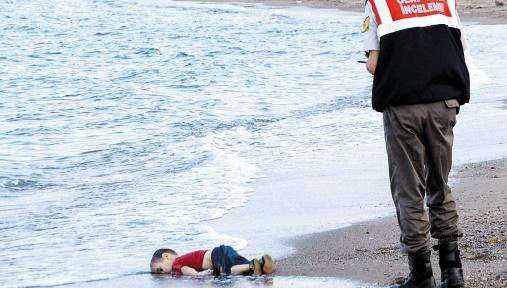 Le drame des migrants divise l'Europe