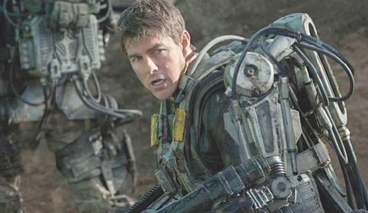 Tom Cruise sur la lune dans un polar spatial