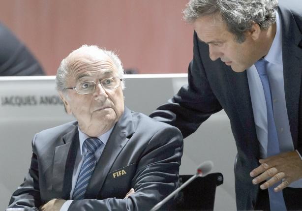 Platini et Blatter jouent en défense