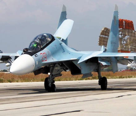 Assaut terrestre et frappes russes coordonnés dans l'Ouest syrien