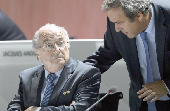 Le destin de Blatter et Platini entre les mains de la commission d'éthique