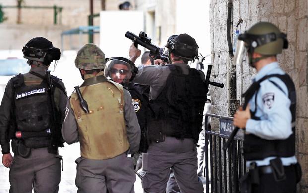 Israël interdit l'accès à l'esplanade des Mosquées