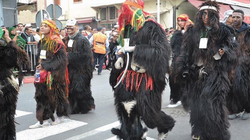 """Carnaval """"Bilmawn Bodmawn"""": Une ambiance colorée et festive hissant """"Boujelloud"""" au rang des célébrations internationales"""