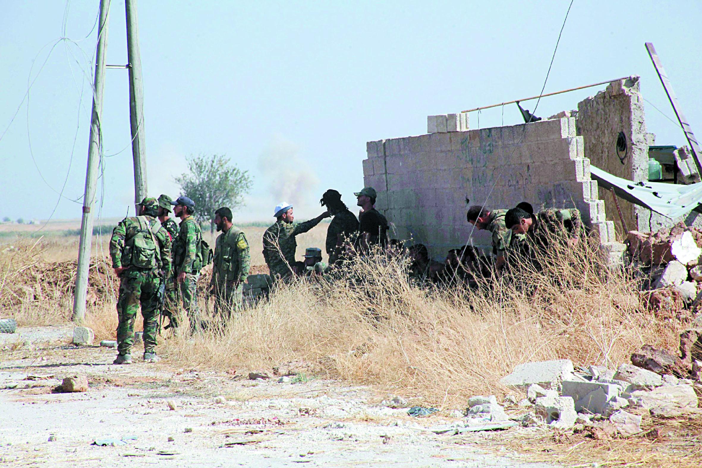 Le régime syrien avance dans la province d'Alep et peine dans celle de Homs
