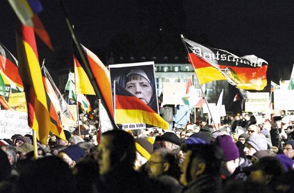 Les Allemands se déchirent sur la question des réfugiés et de l'Islam