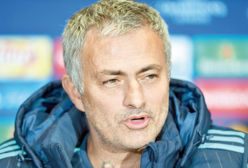 mourinho sanctionn plaide des lacunes en anglais. Black Bedroom Furniture Sets. Home Design Ideas