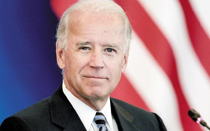 Un rival de moins pour Hillary Clinton après le retrait de Joe Biden