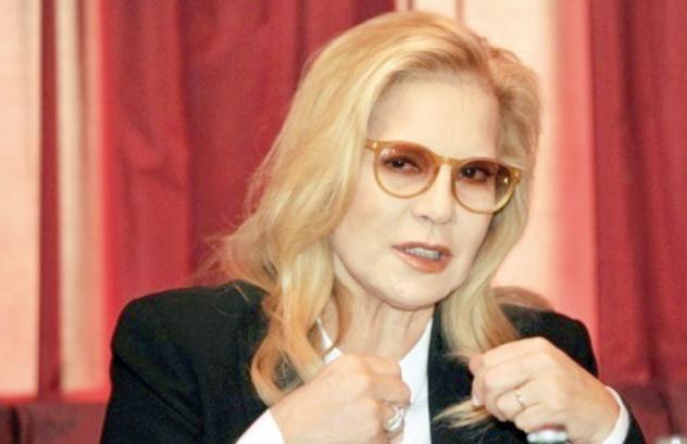 Sylvie Vartan fait ses débuts au théâtre
