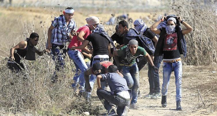 """John Kerry appelle Israéliens et Palestiniens à s'écarter du """"précipice"""""""