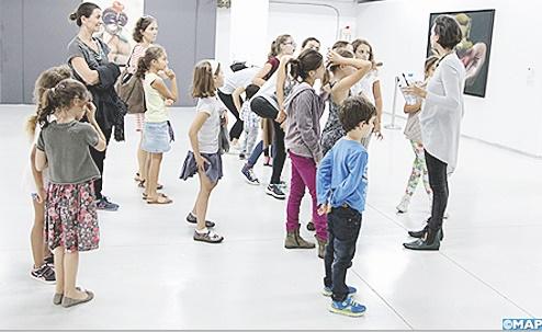 Les enfants célèbrent l'anniversaire du musée de Rabat