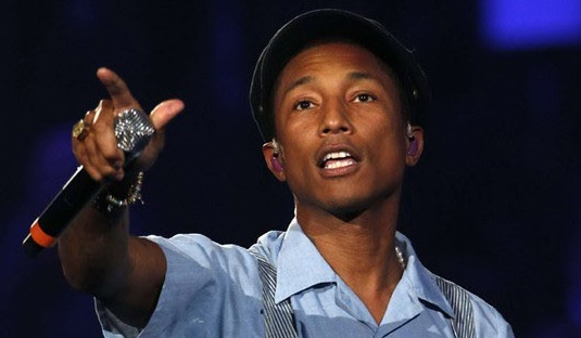 "Pharrell dédie ""Freedom"" aux migrants"