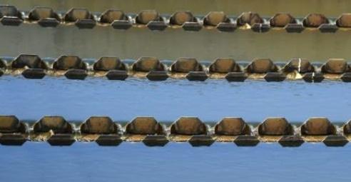 Des toilettes au verre d'eau pour défier la sécheresse en Californie