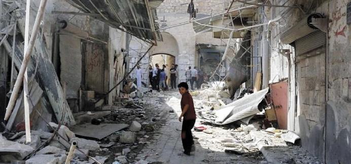 23 personnes tuées dans des raids sur Raqa en Syrie