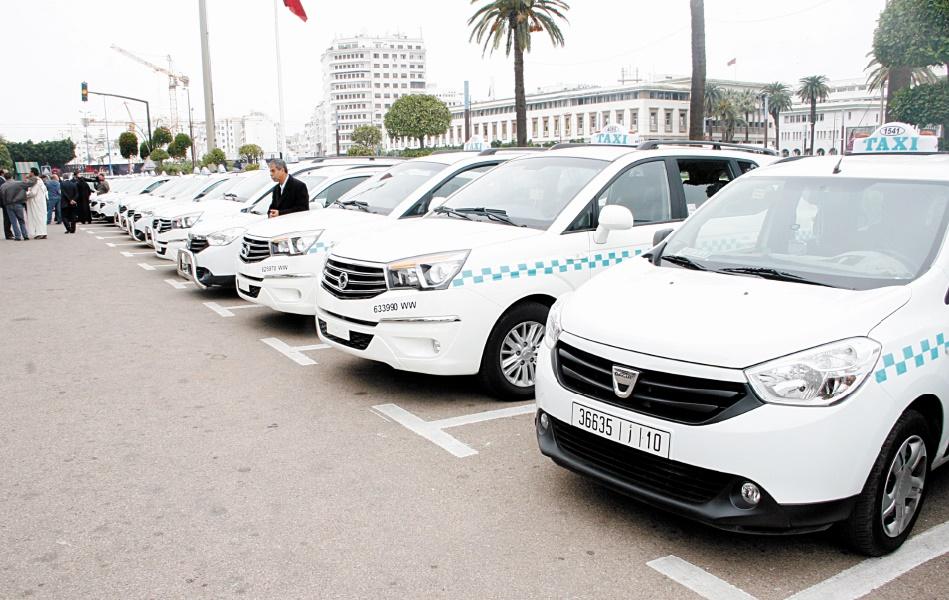 Les chauffeurs des grands taxis casablancais tiennent à leurs vieux tacots
