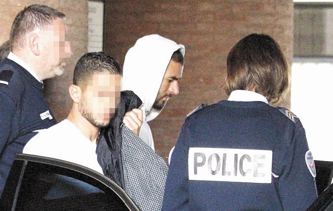 Sexe, chantage et vidéo : Benzema inculpé, l'équipe de France de foot affaiblie