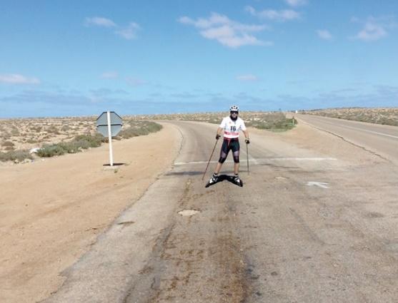 De la neige à l'asphalte, Samir Azzimani revisite la Marche Verte en ski-roues